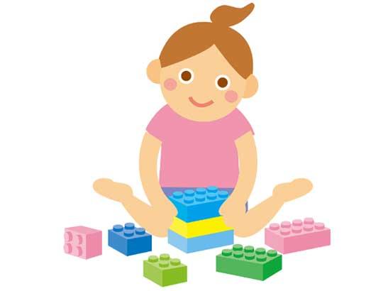 レゴで遊ぶ子供